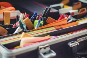 trousse de secours créative maud-art-therapeute 4 conseils pour un été créatif maincy 77170